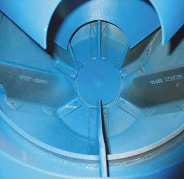 Wringer blades are designed to be easily removed and replaced, greatly extending wringer life. Again, only Inter-Source offers this ROI-enhancing feature.