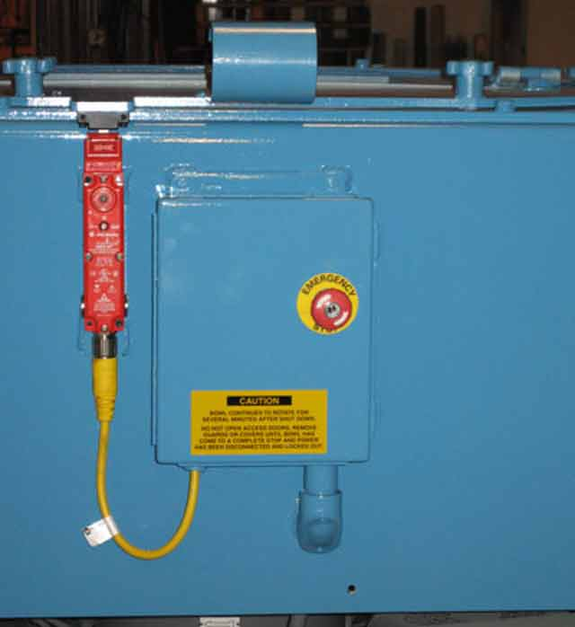 Safety interlock on lid reflects Inter-Source's focus on operator safety. It ensures that the bowl may not be accessed until it has stopped. This EN954-I Category 1 device is suitable for Category 3 or 4 classification, depending upon application requirements.