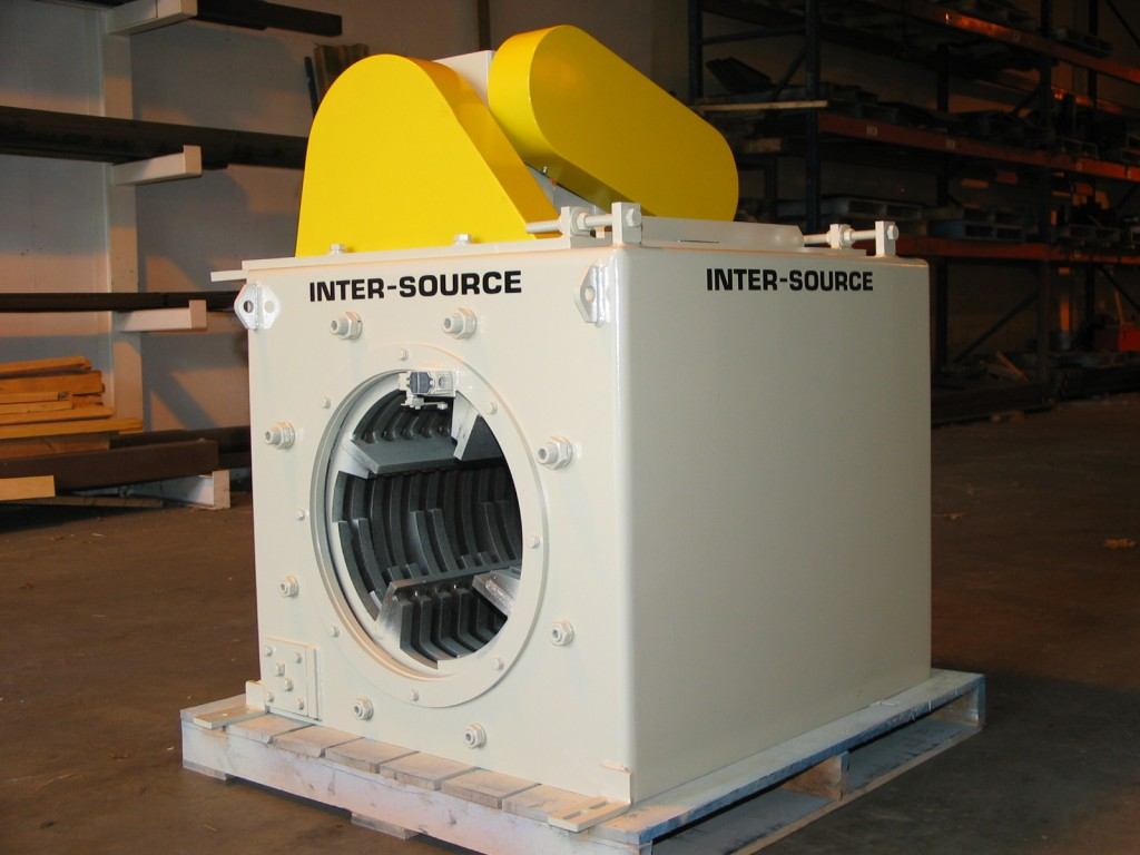 Rotary ring shredder